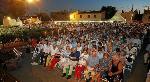 Un numeroso público siguió el evento.