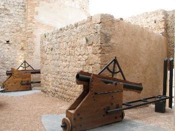 En el recinto se puede contemplar armamento antiguo.