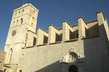 Imagen de la fachada de la Catedral de Eivissa.