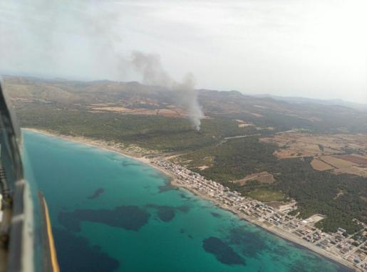 Imagen aérea del incendio de este miércoles en sa Canova.