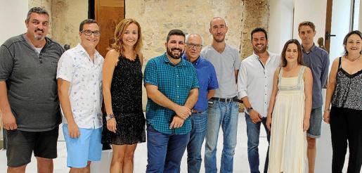 Yaye Arbona, Sergio Brogniez, Carolina Vives, Josep Basili, Ricard Pérez, Antoni Miquel Morro, Ximo Coll, Regina Cortés, Enrique Chover y Marisol Blanco.