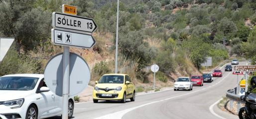 Imagen tomada cuando el túnel ya había sido reabierto, en la que se puede ver un inusual tráfico de vehículo terminando el Coll en dirección a Palma.