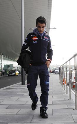 El piloto de Moto GP, Dani Pedrosa, llega a Barcelona para ser operado.