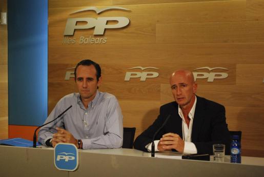 José Ramón Bauzá y Toni Pastor durante la rueda de prensa.
