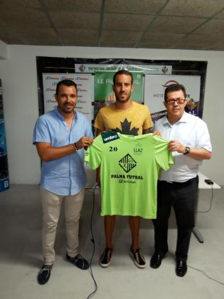Presentación de 'Lolo' Suazo como nuevo jugador del Palma Futsal