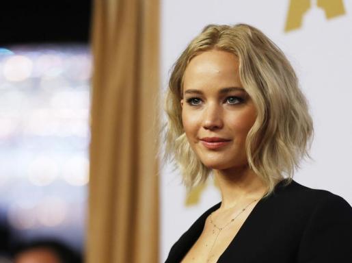 La actriz Jennifer Lawrence, en su llegada a la 88 edición de los Oscar.