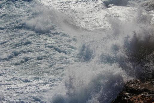 Imagen de archivo de un oleaje.