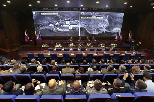 Imagen de archivo de oficiales del ejército ruso asistiendo a una sesión informativa sobre operaciones antiterroristas en el Centro de Control de Defensa Nacional en Moscú.