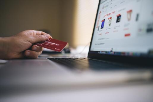 El Instituto Nacional de Ciberseguridad ha informado que ningún banco envía por correo electrónico solicitudes de datos personales o bancarios de sus clientes.