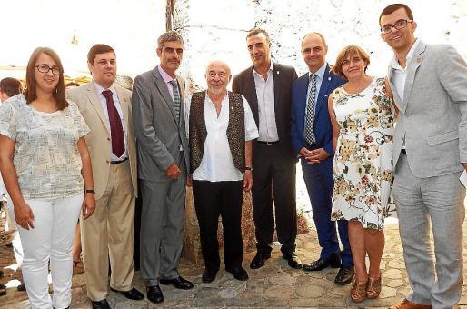 Laura Celià, Andreu Castanyer, Josep Ll. Colom, Lluís Castaldo, Jaume Servera, Jaume Mateu, Maria Creu Ensenyat yJosep Ll. Puig.