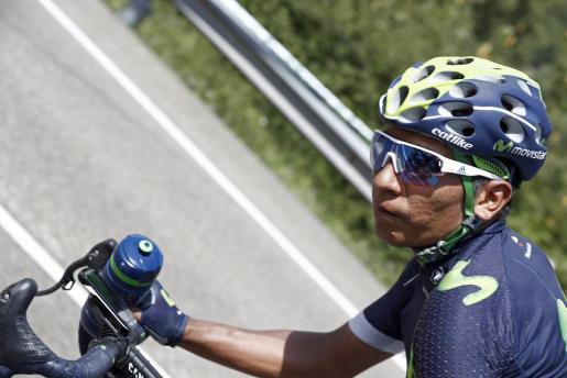 El ciclista colombiano del equipo Movistar,Nairo Quintana, en el pelotón durante la décima etapa de la Vuelta Ciclista a España 2016, con salida en la localidad de Lugones y meta en los Lagos de Covadonga,con un recorrido de 188,7 kilómetros.