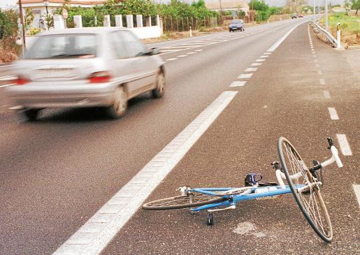 El accidente tuvo lugar en la carretera de Petra a Santa Margalida, a la una del mediodía.