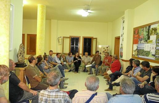 Imagen de la asamblea que tuvo lugar el lunes en la sede de GADMA.