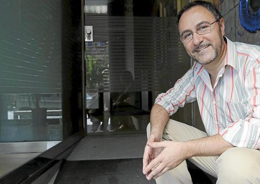 El barítono Lluís Sintes, ayer, en Palma antes de la entrevista.