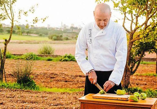 Miquel Gelabert, de Can March Restaurant, presenta su receta de Negret con emulsión de Oli de Mallorca D.O. y patata.