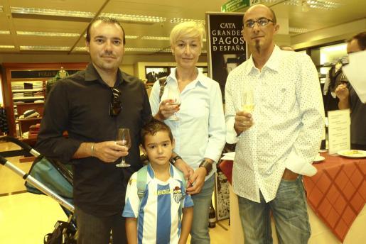 Aleix y Maties Payeras, Dolores Ruz y Julio Torres.