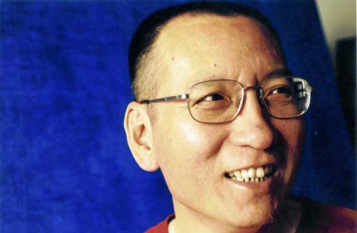 Liu Xiaobo con su mujer, «la luz que atraviesa los muros», dice de Liu Xia.