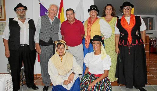 Álvaro Gómez, José Miguel Martín, José Martínez, Conchi Cano, Celia Fajardo y Soledad González, Fátima Siviero y Cornelia Díaz.