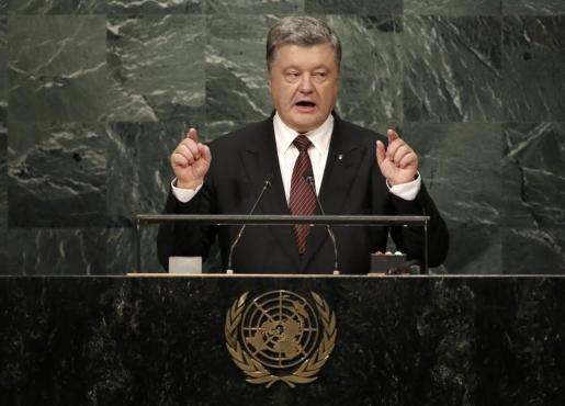 El presidente Petro Poroshenko destaca que el papel de Rusia en Crimea y el este de Ucrania es el mayor desafío a la seguridad y legalidad internacional desde la guerra fría.