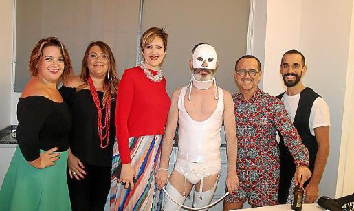Isabel Mendaza, Patricia Ribas, María Joya, Ángel Pardo, Juan Jiménez y Óscar Fernández.