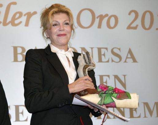 """La baronesa Carmen Thyssen-Bornemisza, que recibió hoy en Bilbao el premio """"Alfiler de Oro"""" de la asociación """"Mujer siglo XXI"""", durante el acto de entrega del galardón."""