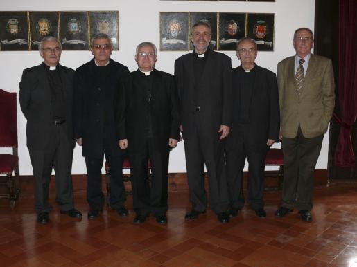 Teodoro Suau, Joan Servera, Jesús Murgui, Lluc Riera, Rafel Umbert y Miguel Lladó, en la celebración que tuvo lugar en el Palau Episcopal.