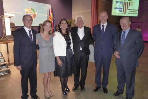 Miquel Lladó, Susana Munar, Magdalena Pons Quintana -presidenta de la Cámara de Comercio de Menorca-, Miguel Fluxá, Ramón Socías y Josep Oliver.