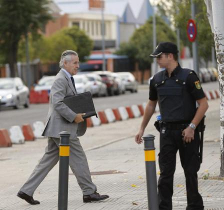 El expresidente de Caja Madrid Miguel Blesa a su llegada a sede de la Audiencia Nacional en San Fernando de Henares.