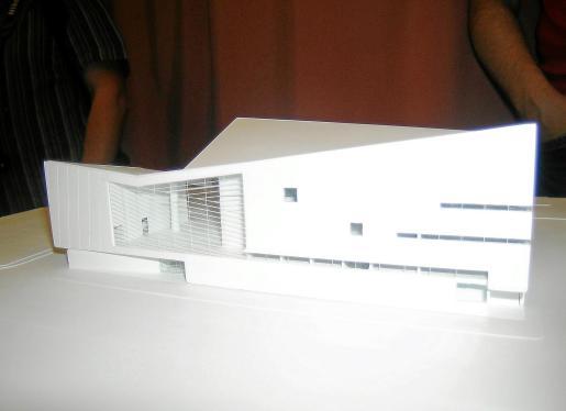 Imagen de la maqueta del anteproyecto del auditorio que Rafael Moneo ha diseñado para Pollença.