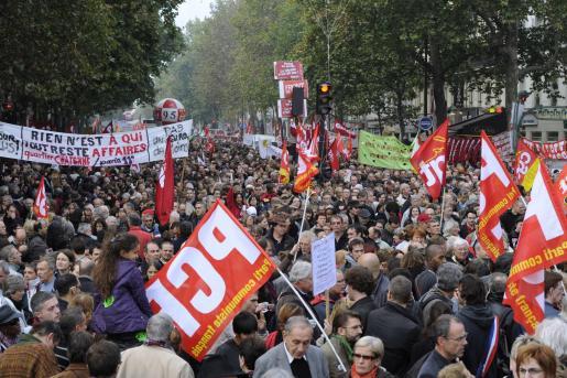 El sector público y el privado toman parte en el quinto día consecutivo de protestas por la reforma en las pensiones.