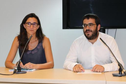 El conseller Vicenç Vidal y Caterina Amengual, en una imagen de archivo.