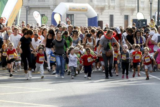 Niños de entre 2 y 12 años recorrieron el circuito en sucesivas vueltas desde es Born a Sagrera.