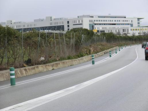 El único espacio hasta ahora para llegar desde La Real hasta el centro hospitalario era el arcén de la carretera.