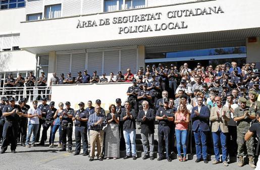 El cuartel de Sant Ferran despidió entre lágrimas a Biel Llull, el policía local atropellado por una conductora ebria.
