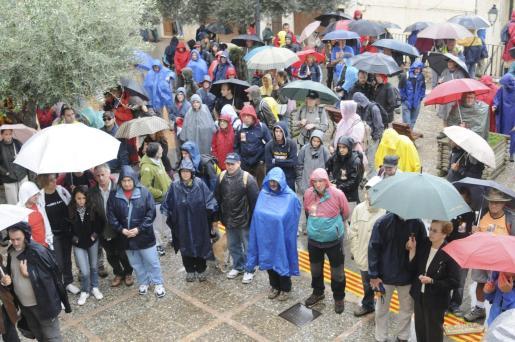 Unas 500 personas participaron en la marcha reivindicativa.