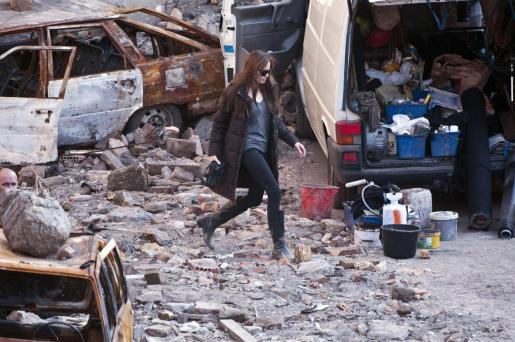 """La actriz estadounidense Angelina Jolie participa en el rodaje de su primera película como directora, """"Untitled Bosnian War Love Story"""" en Budapest, Hungría, el 14 de octubre de 2010."""