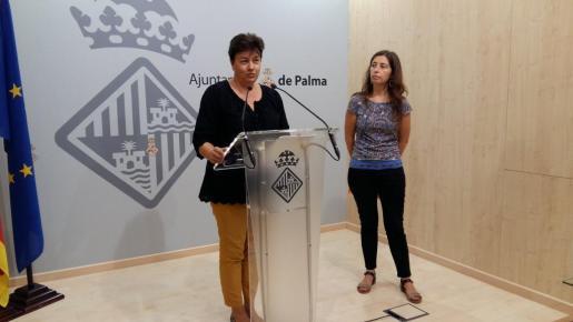 Susana Moll y Neus Truyol, durante la rueda de prensa.