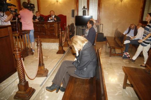 La expresidenta del Consell de Mallorca, Maria Antònia Munar, durante la sesión de este jueves del juicio por el caso Can Domenge, en el que ha sido declarada culpable junto a Miquel Nadal y Bartomeu Vicenç.