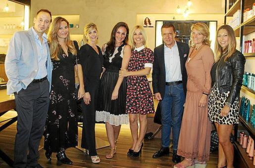 Juan Carlos Vich, Julia Serra, Fabiana Marchiore, Ana Milán, Cayetana Guillén Cuervo, Jaime Colomar, Rosa Estarás y Paula Fuster.