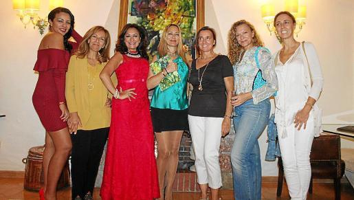 Kely Willemen, Pilar García, María Rosa Salinas, Inma Bianchi, África Juan, Francisca Aina Sastre y Margarita Sastre.