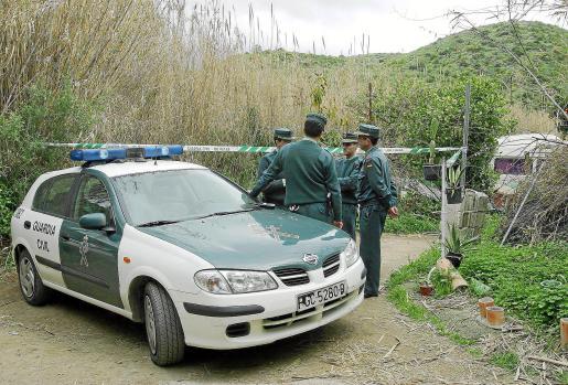 La Guardia Civil se desplegó en busca de la sospechosa y consiguió detenerla.