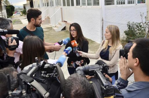 Melisa Suero, realizando declaraciones a los medios de comunicación el pasado lunes.