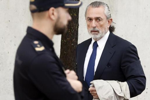 El presunto cabecilla de la trama Gürtel, Francisco Correa, a su llegada a la Audiencia Nacional.