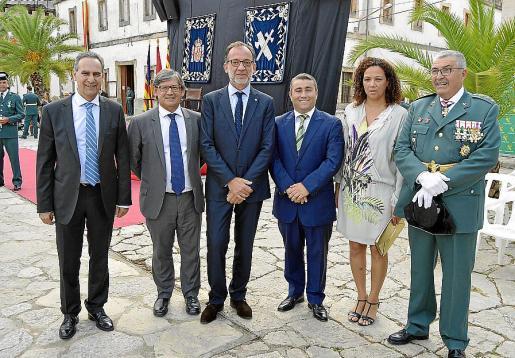Xavier Ramis, Vicenç Thomàs, Evelio Antich, Virgilio Moreno, Catalina Cladera y el coronel Jaume Barceló.