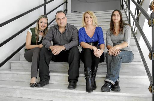 El elenco de 'Don Juan Tenorio', ayer durante la presentación en Palma.