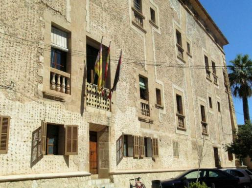 Fachada del Ajuntament de Pollença.