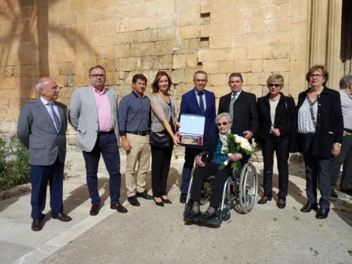 El homenaje a la centenaria Martina Perelló lo ha organizado el Ajuntament de Muro con la colaboración de la parroquia de San Juan Bautista y la Asociación de personas Mayores Verge de Lluc.