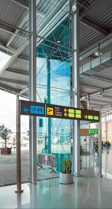 Señalización en el Aeropuerto de Son Sant Joan de Palma