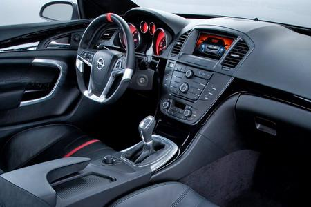 Interior de un Opel, todo un lujo.