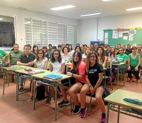 Imagen de archivo de una concentración conjunta de docentes y alumnos contra las ratios elevadas.